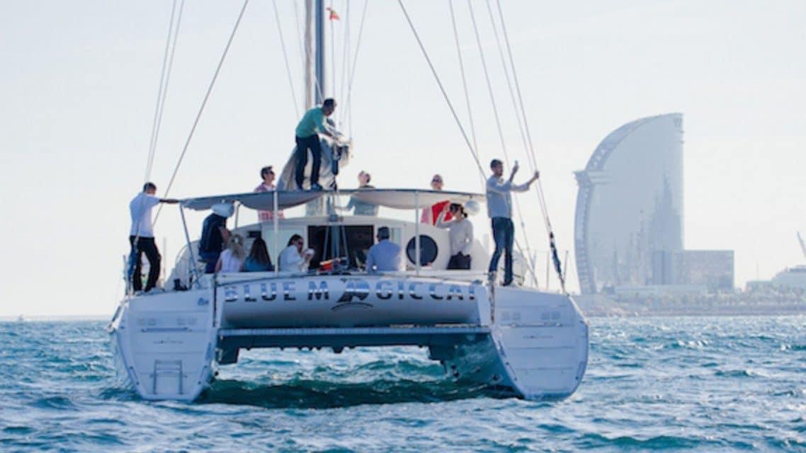 croisière privée en catamaran à Barcelone